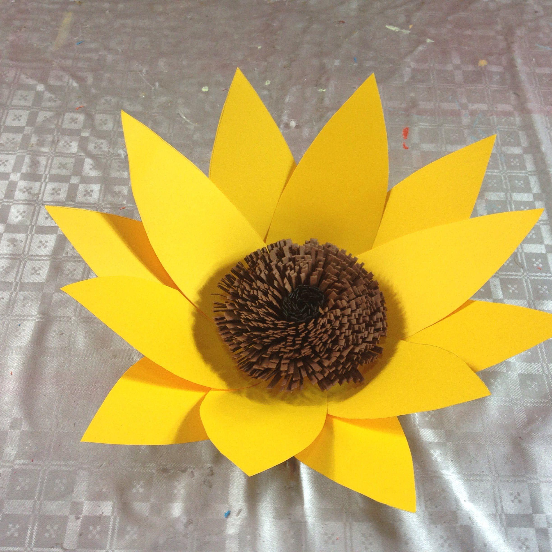 VIDEO. GIRASOL FLOR GIGANTE- Girasol en cartulina Flor 6 | Como hacer un  girasol, Flor de paper, Girasoles de papel