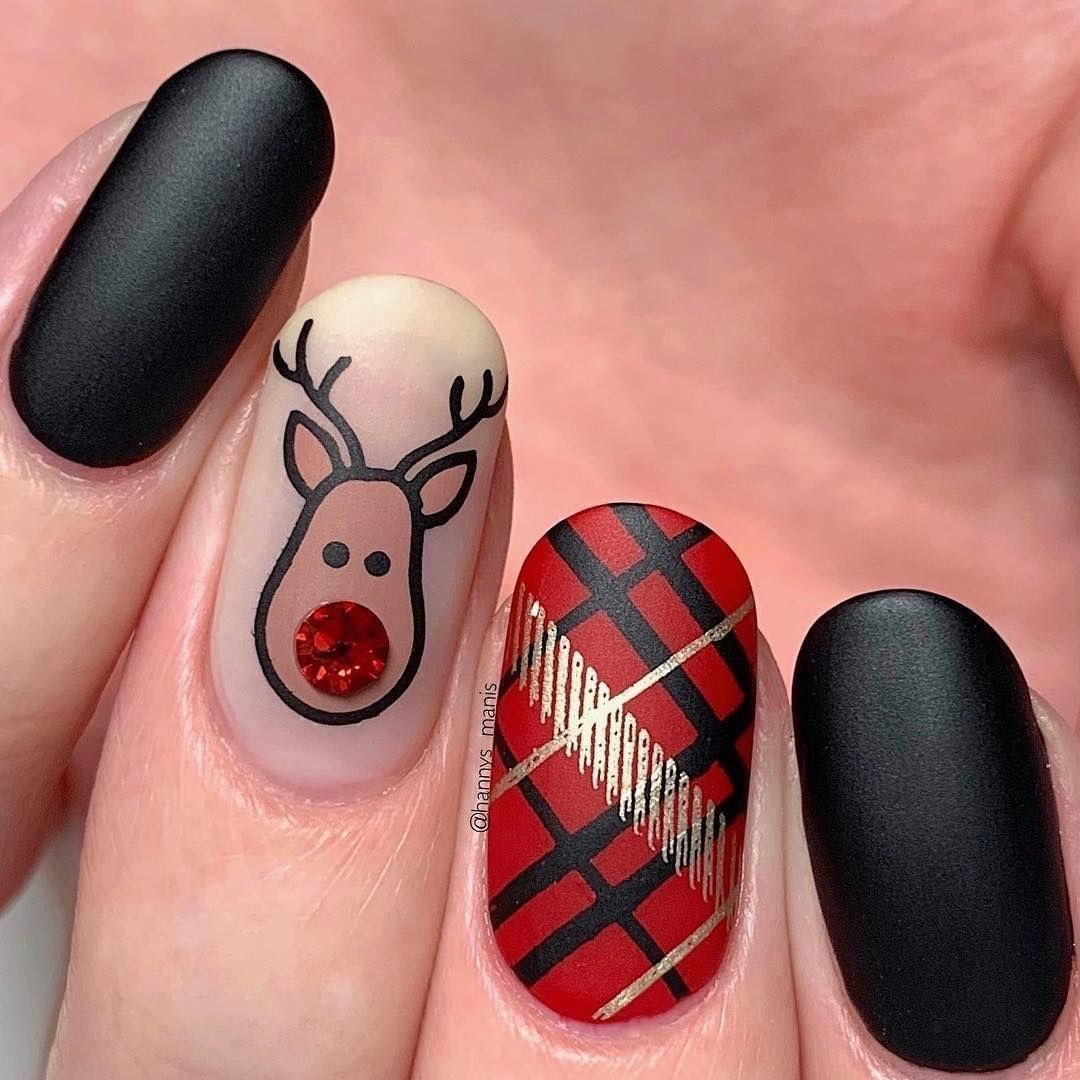 Christmas Diy Nail Ideas And More Of Our Manicures From: Image May Contain: One Or More People And Closeup