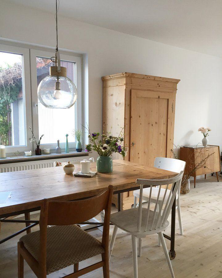 hereinspaziert 10 neue wohnungseinblicke lampen pinterest wohnen zuhause und esszimmer. Black Bedroom Furniture Sets. Home Design Ideas
