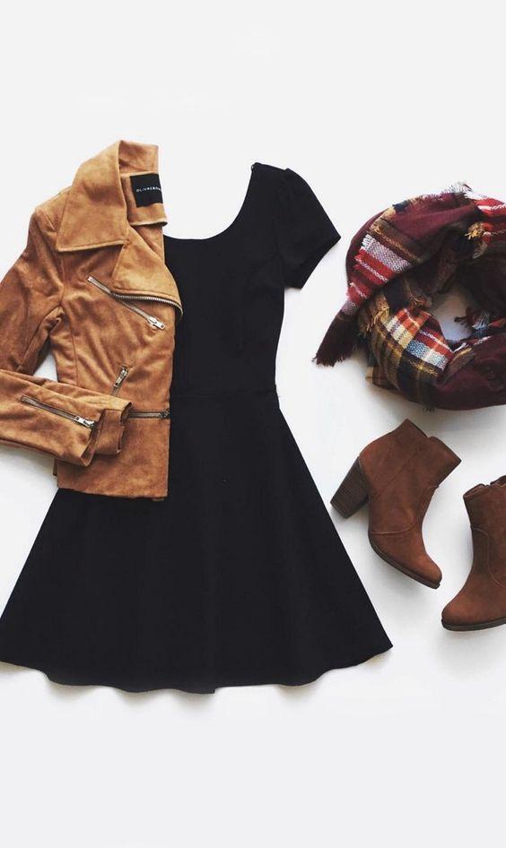 325cb886f0 El vestido negro La chaqueta marrón claro Los zapatos marrón claro La  bufanda de muchas colores Cuestan   46  41.14€ Clavado por  Ryan Daniels