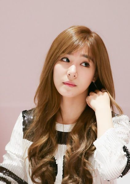 11 Korean Haircare Tips And Secrets From K Pop Idols And Celebrities That Are Actually Very Easy To Follow Girls Generation Tiffany Snsd Tiffany Tiffany Girls