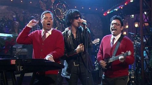 julian casablancas jimmy fallon and horatio sanz sing i wish it was christmas today