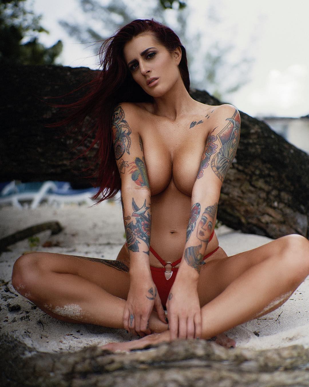 Tana lea naked
