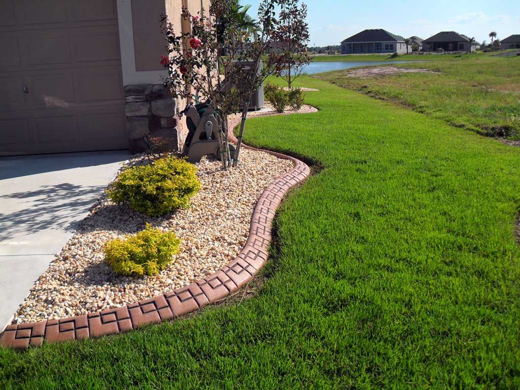 Central Florida edging - Orlando Landscape Curbing - Orlando Decorative Concrete  Curbing Florida Landscape Borders provides