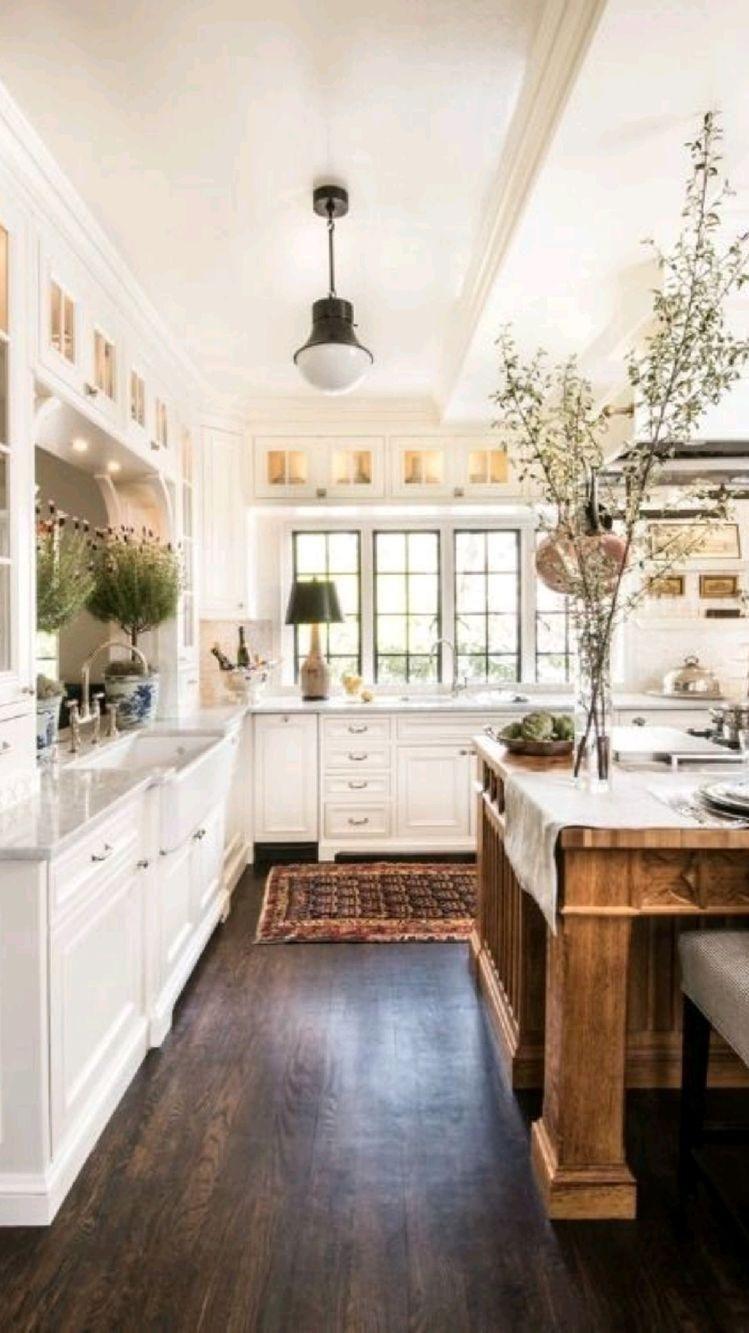 25 White Kitchens That Look Like Design Heaven