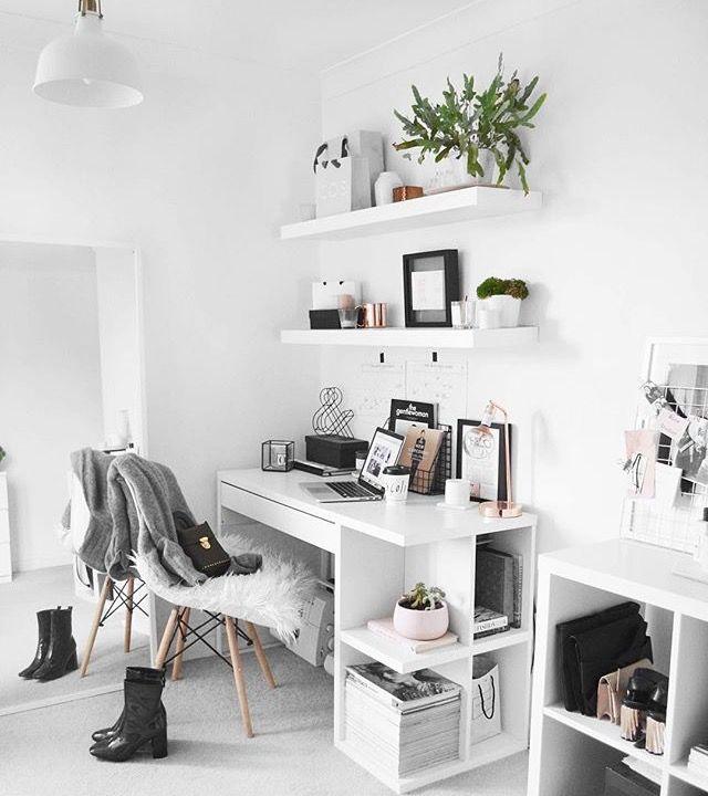 Petit Bureau Blanc Avec Rangements Integres Idee Chambre Idee Deco Chambre Deco Chambre Coconing