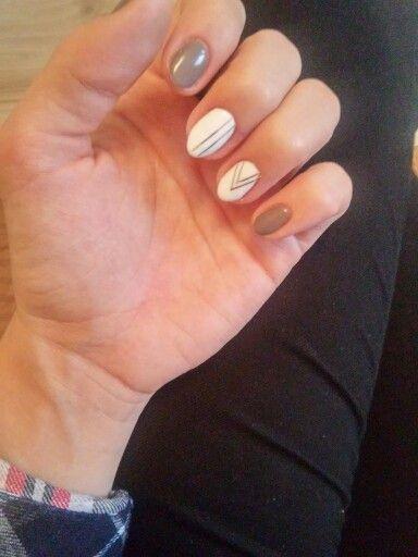 Semilac Braz Z Bialym I Srebrne Paski My Nails Nails Beauty