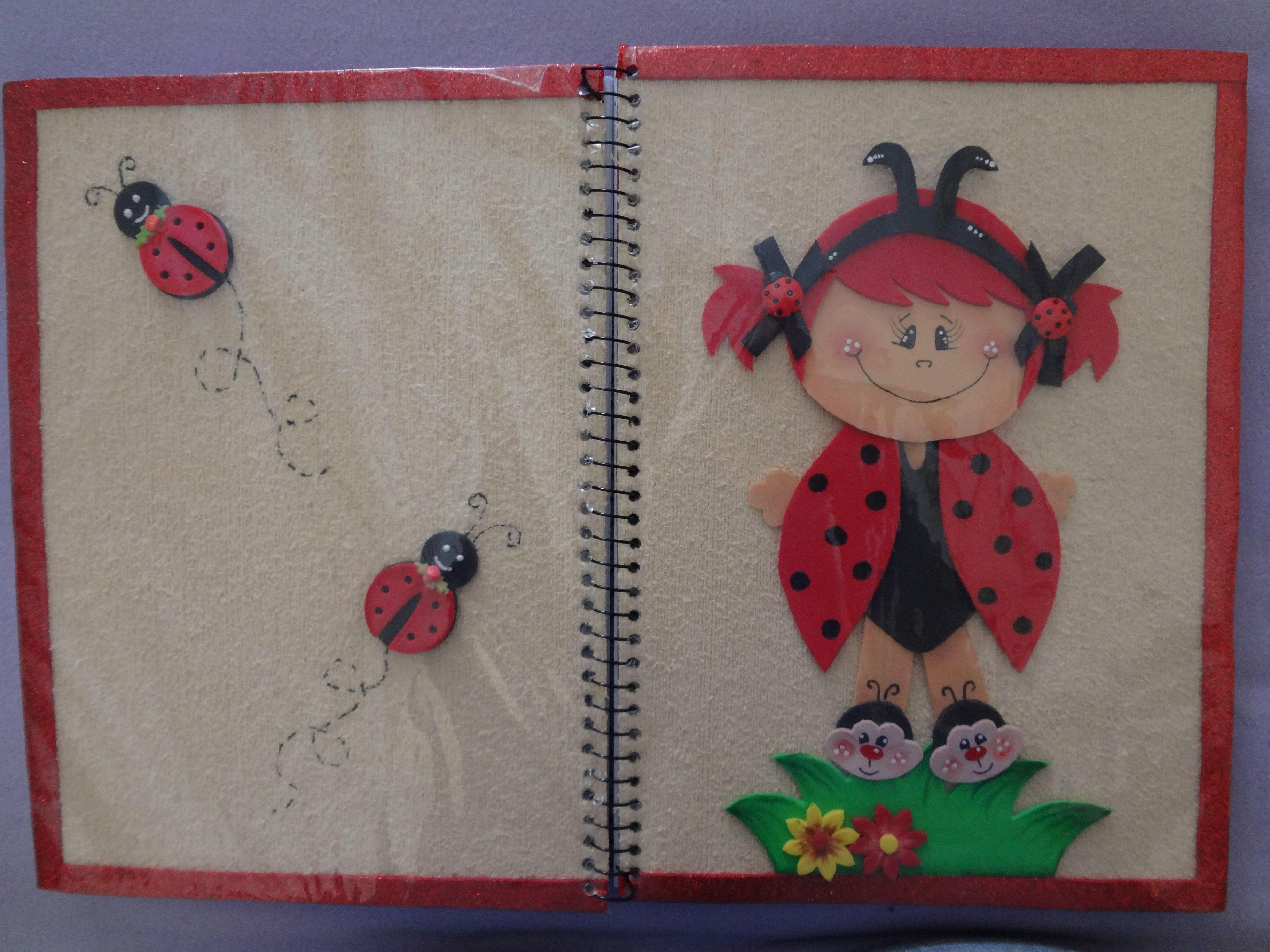 Capa de caderno joaninhas lindas
