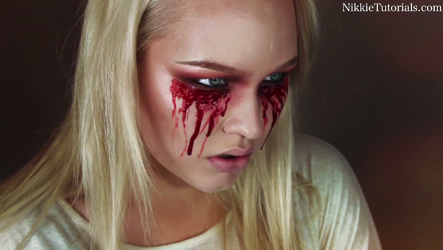 11 Hideously Scary Halloween Makeup Ideas You Can Borrow From The ...