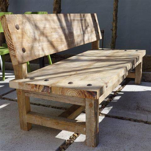 Marabierto banco durango de tablones de pino patinado y - Sofas de madera de pino ...