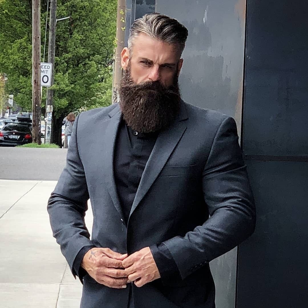 Handsome man =) | Full Beard with Handlebar Mustache | 50 Nice Beard Styles  For Men – Mascu… | Estilos de barba, Mejores estilos de barba, Estilos de  cabello hombre