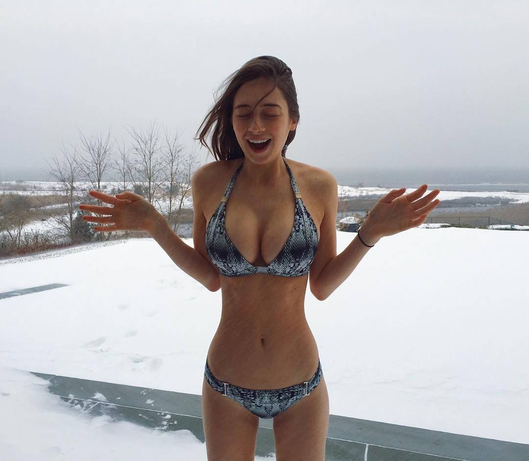 Big boobs in the snow