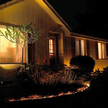 The Secrets to Fabulous Outdoor Lighting Jardines pequeños, Patios