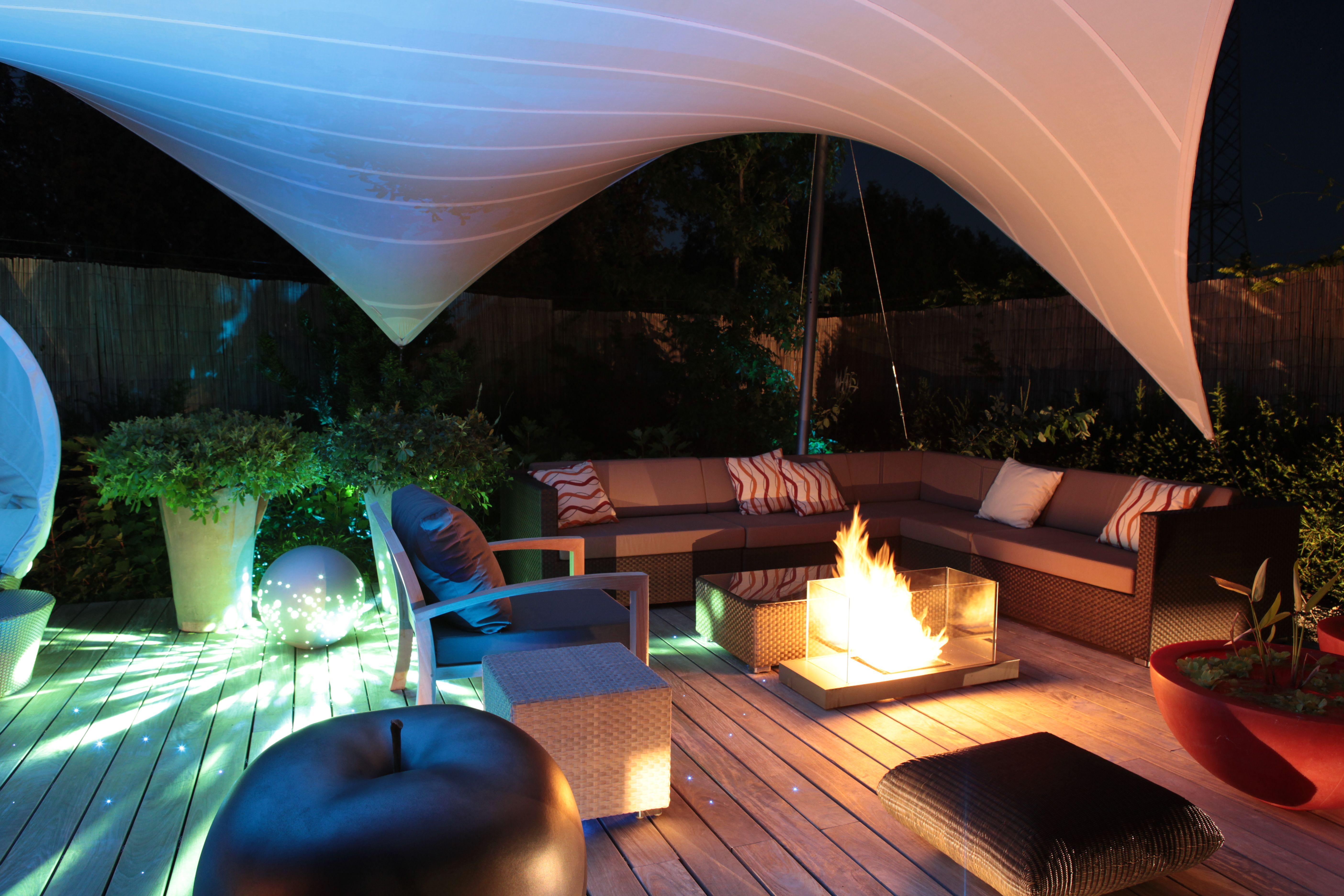 Aeronautec Icebird Ganzjahreslosung Aus Ptfe Die Beleuchtung Reflektiert An Dem Gewebe Und So Erhalt Terrassenuberdachung Architektur Uberdachung Terrasse