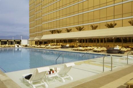 Las Vegas Hotels Find 225 Cheap Hotel Deals In Las Vegas Nv Trump International Hotel Las Vegas Las Vegas Hotels Trump International Hotel