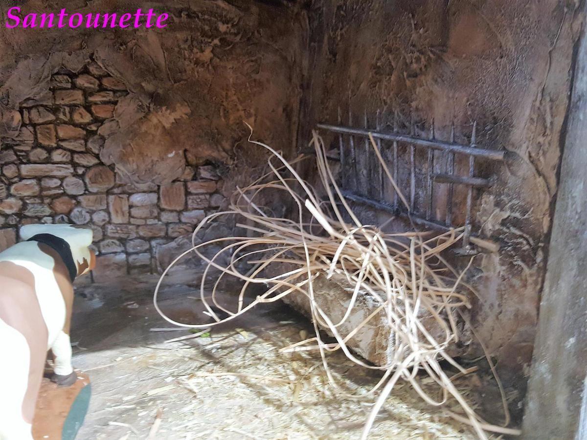 Les bâtiments de Philippe de Corse - Santons et crèches de Provence