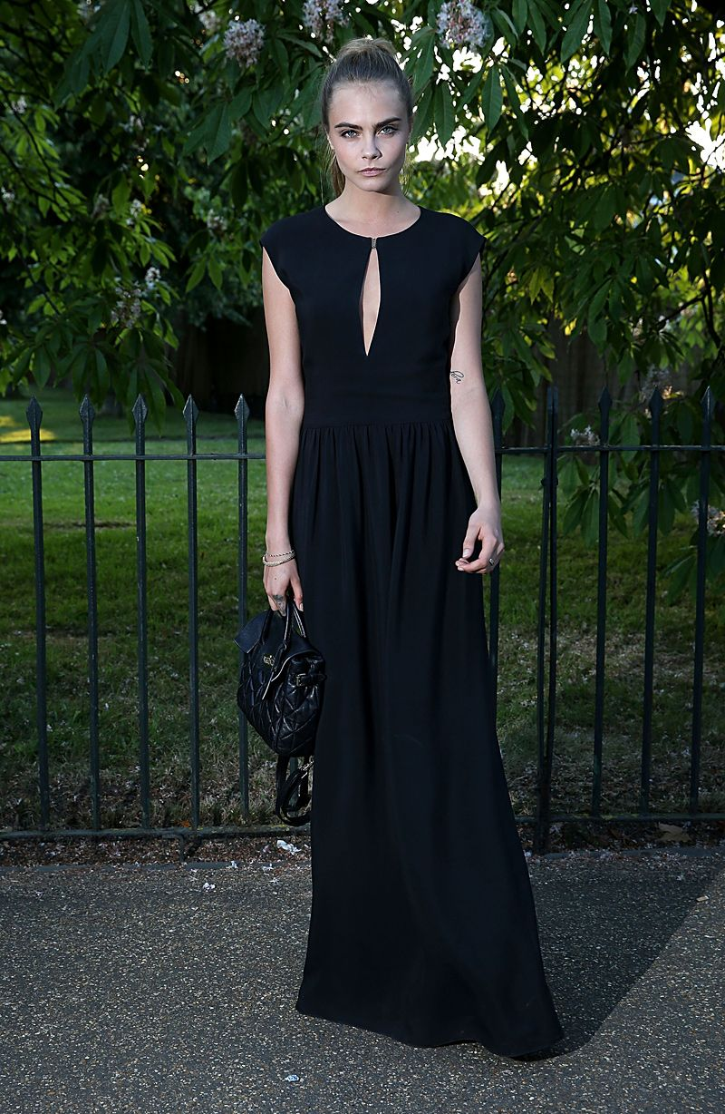 The week in celebrity style: See who made our top 10 best dressed // Cara Delevingne in Mulberry