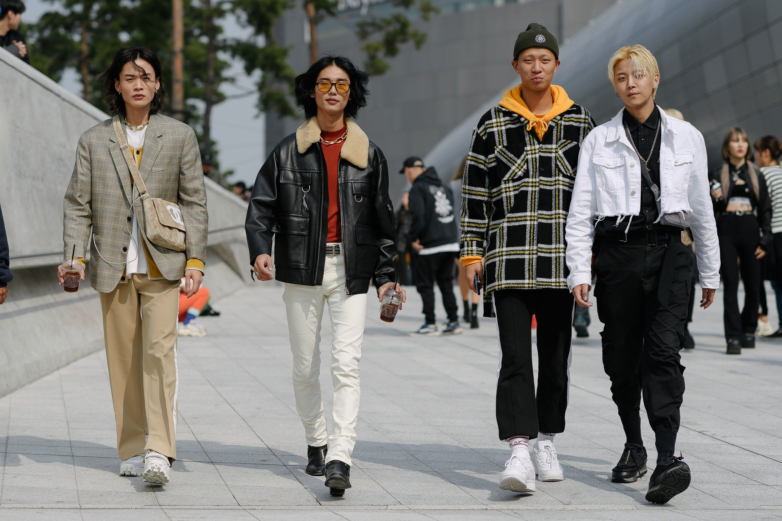 The Best Street Style From Seoul Fashion Week Spring 2019 Seoul Fashion Seoul Fashion Week Harajuku Fashion Street
