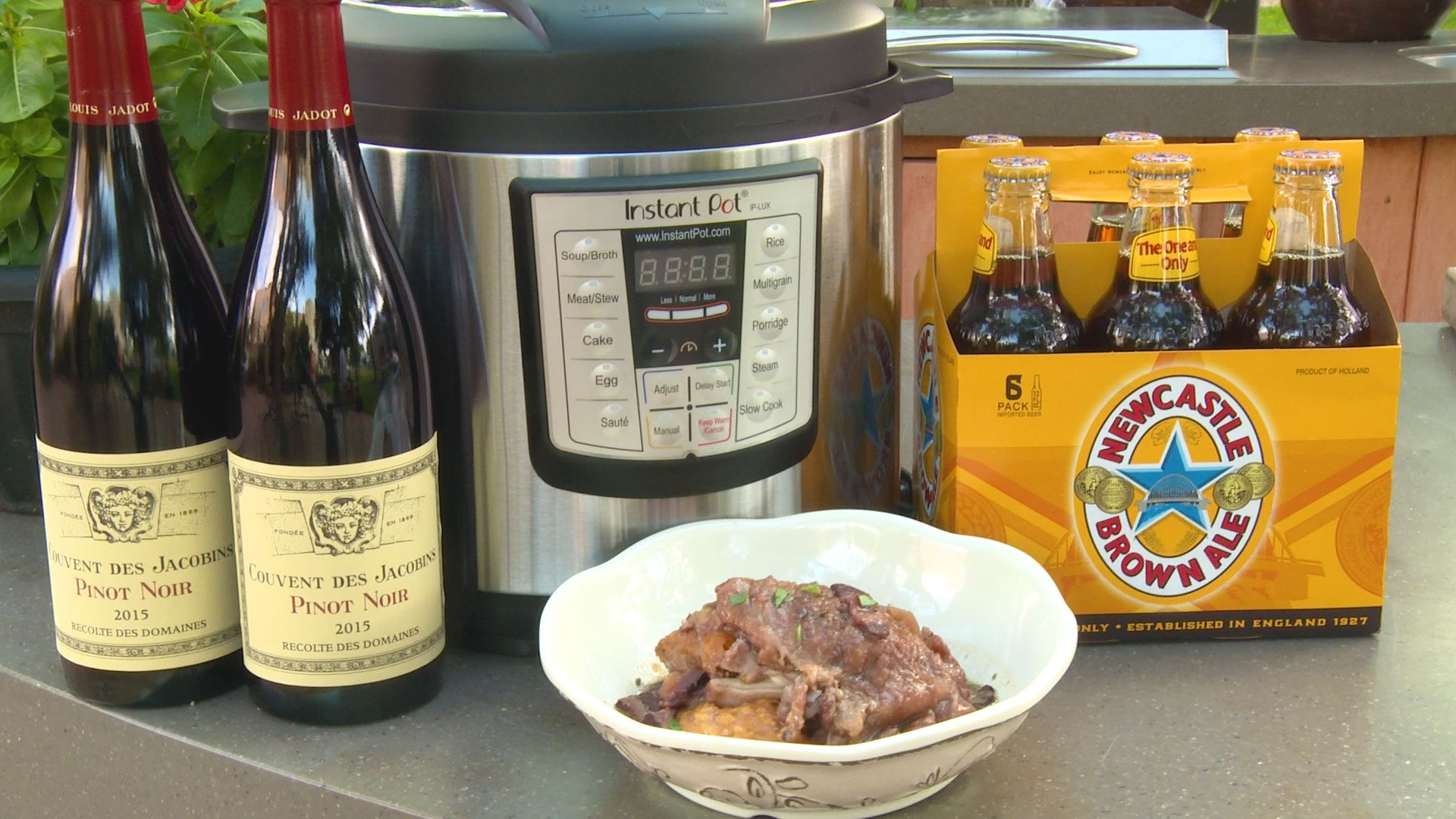 H E B Backyard Kitchen Coq Au Vin Backyard Kitchen Coq Au Vin Kitchen