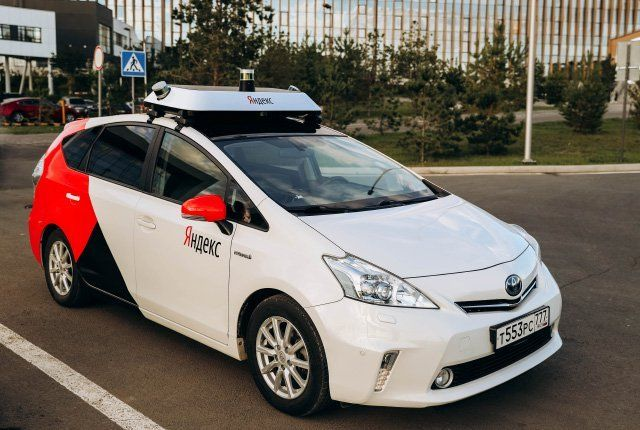 On the heels of becoming the latest investor in Ola , today Hyundai announced another key deal to further its ambitions in next-generation automotive services. Yandex, the Russian search giant that has been working on self-driving car technology, has inked a partnership with Hyundai to develop software and hardware for autonomous car systems.   #autonomouscar #robotaxi