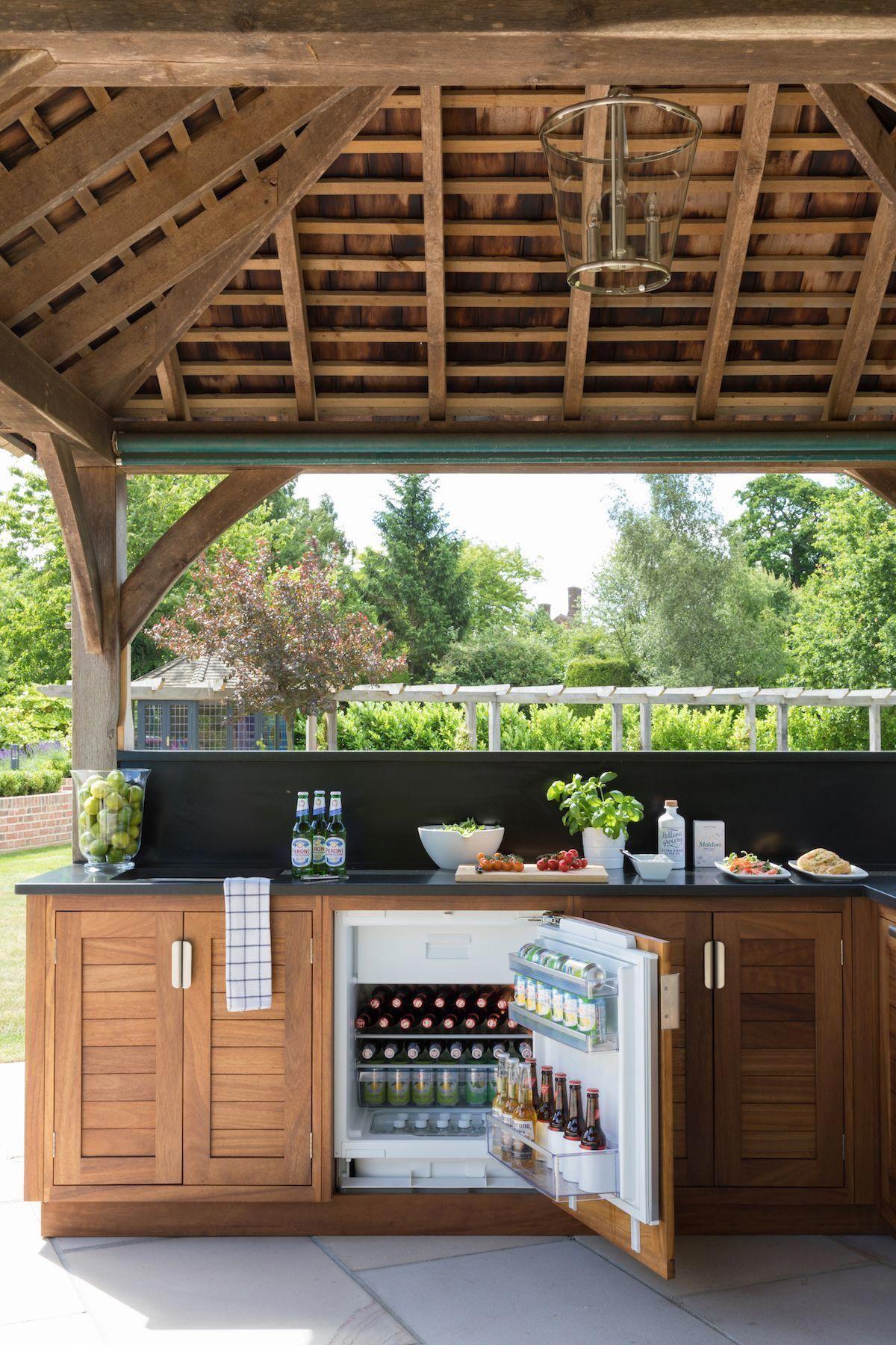 27 most favourite outdoor kitchen ideas that will impress your friends outdoor kitchen decor on outdoor kitchen essentials id=19620
