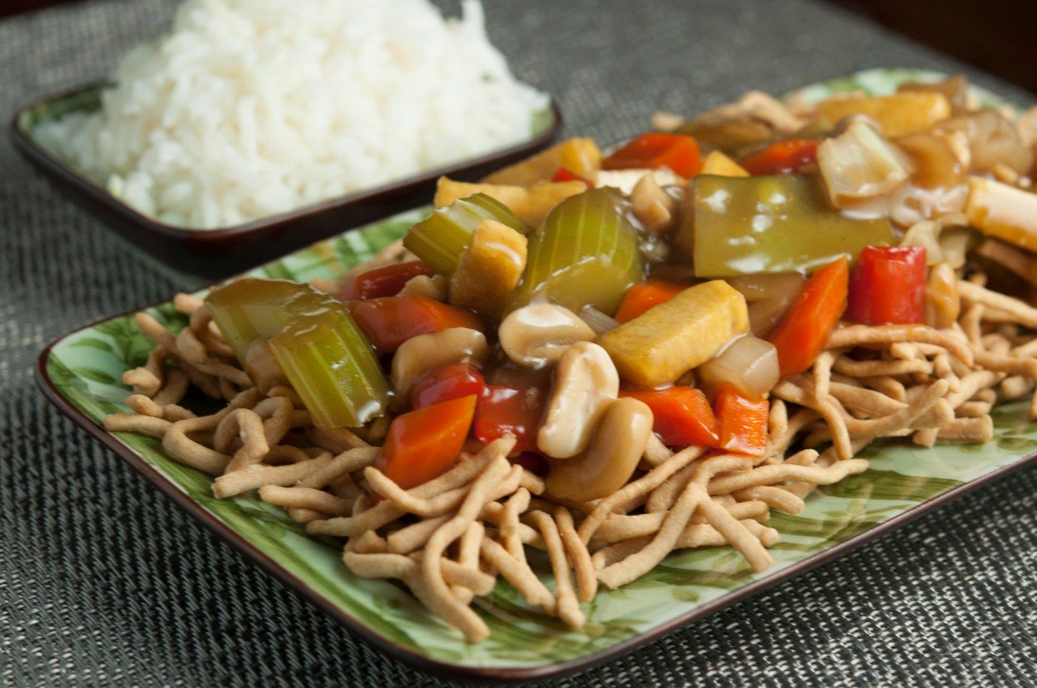 I Ve Long Been A Fan Of Chow Mein When We Were Younger My Brother Worked At Chung King Garden In Burnsville And Chicken Chow Mein Chow Mein Chow Mein Recipe