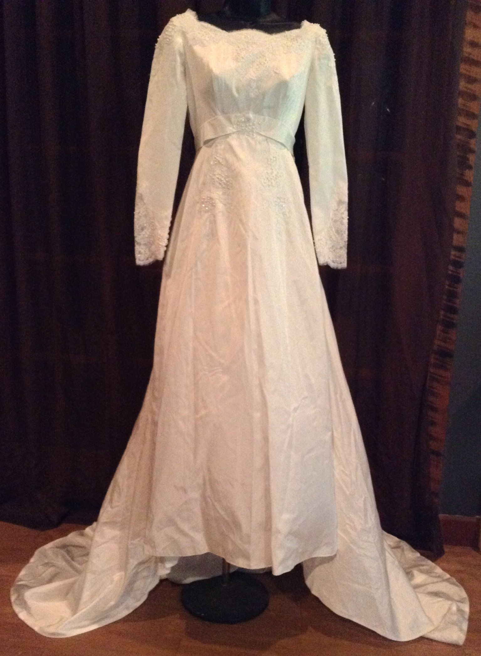 Size 6 wedding dress  Vintage Wedding Dress White Petite Sheath Empire Waist Long Sleeves