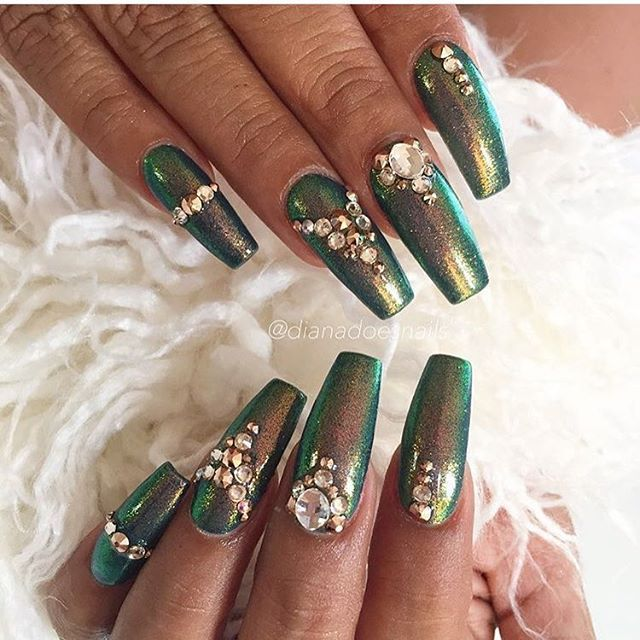 Nails By Dianadoesnails Metallic Green Gold Gold Nail Designs Gold Nail Art Gold Nails