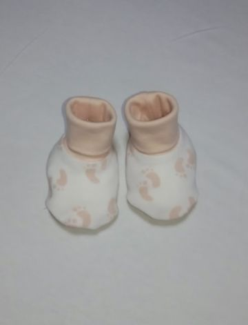 Nino Bambino's 100% Organic Cotton Rollover Baby booties are made out of very soft Interlock fabric. Booties help keep baby's feet protected in any season. Since these are made out of Organic Cotton, they do not have any harmful effects on the child's sensitive skin and can be worn all day long. We use Azo free, heavy metal free dyes because we care.