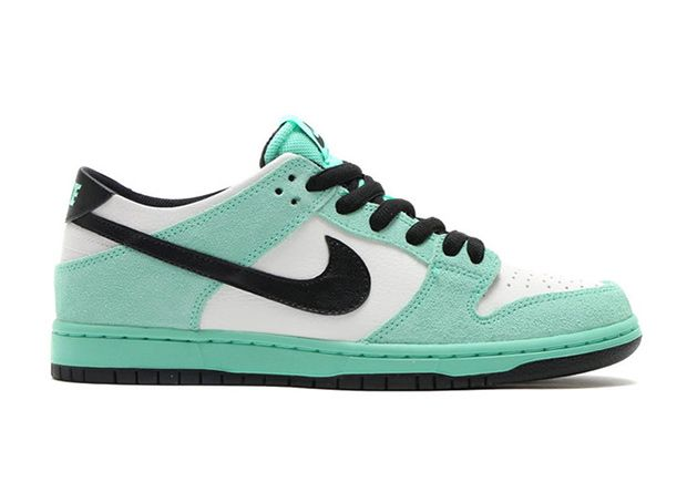 Nike SB Dunk Low Sea Crystal For Holiday 2016  581ba07a2