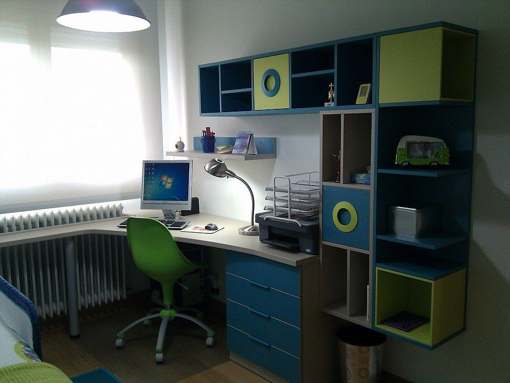 habitacin infantil con cama nido escritorio con forma y estanteras con cubos
