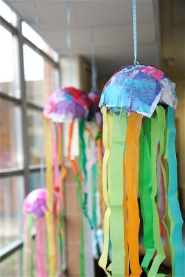 The recycled jellyfish reveal movement and rythm ? recycled art ~ jellyfish Ocean Mural Finished! & Splish Splash Splatter: 2nd Grade | gone CAMPin | Pinterest | Splish ...