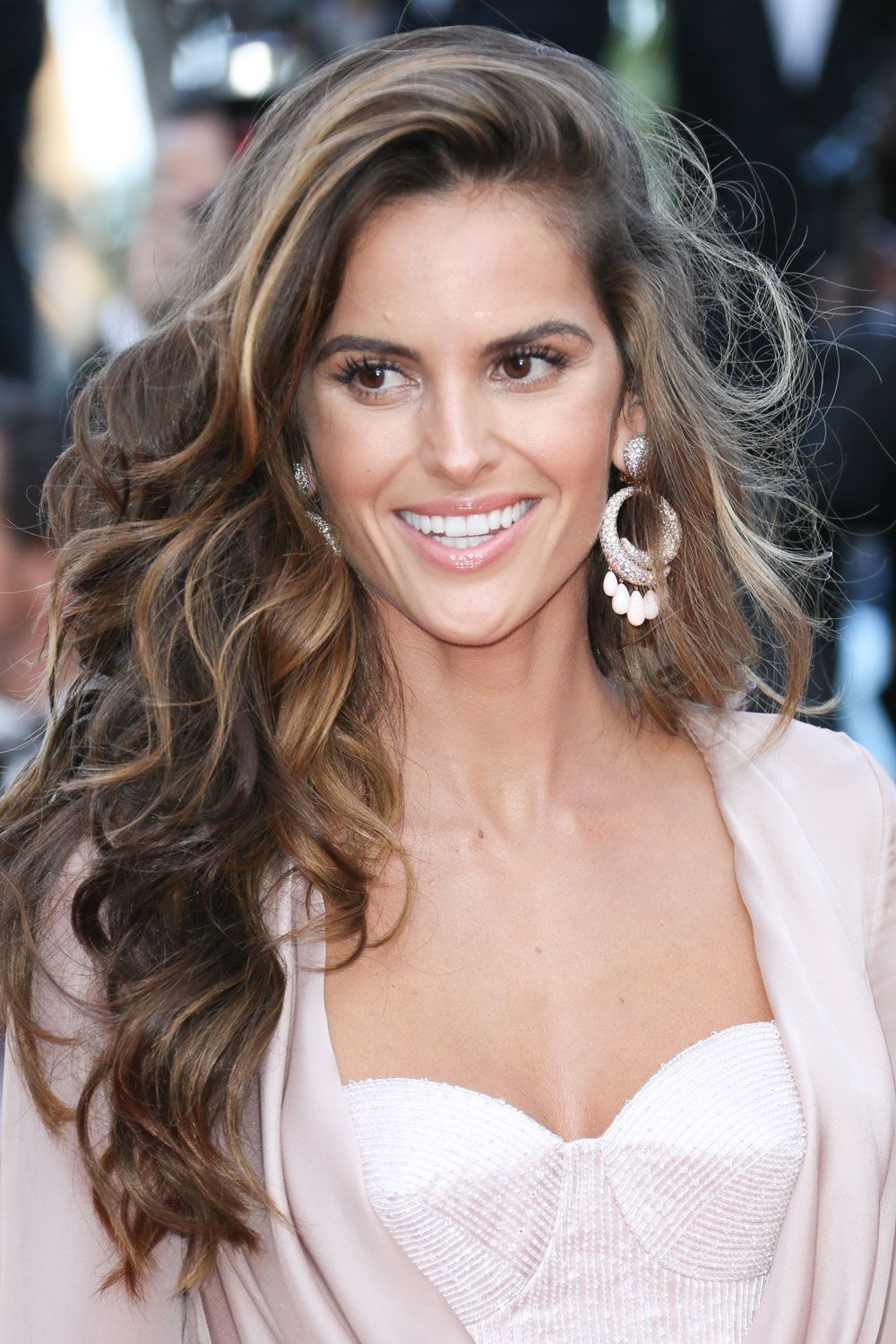 The best celebrity highlights to get for summer brown hair