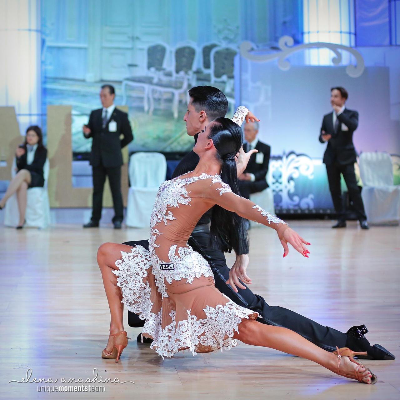 Latin Ballroom Ballet Figure Skating : Photo