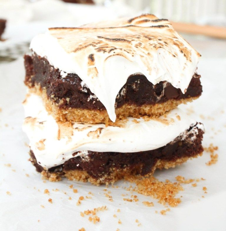 Gooey S'mores Brownies with Homemade Marshmallow Fluff #marshmallowfluffrecipes