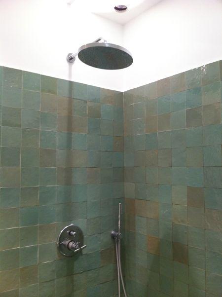 Oui c 39 est ce que je veaux dans la douche zellige en nuance for Carrelage zellige