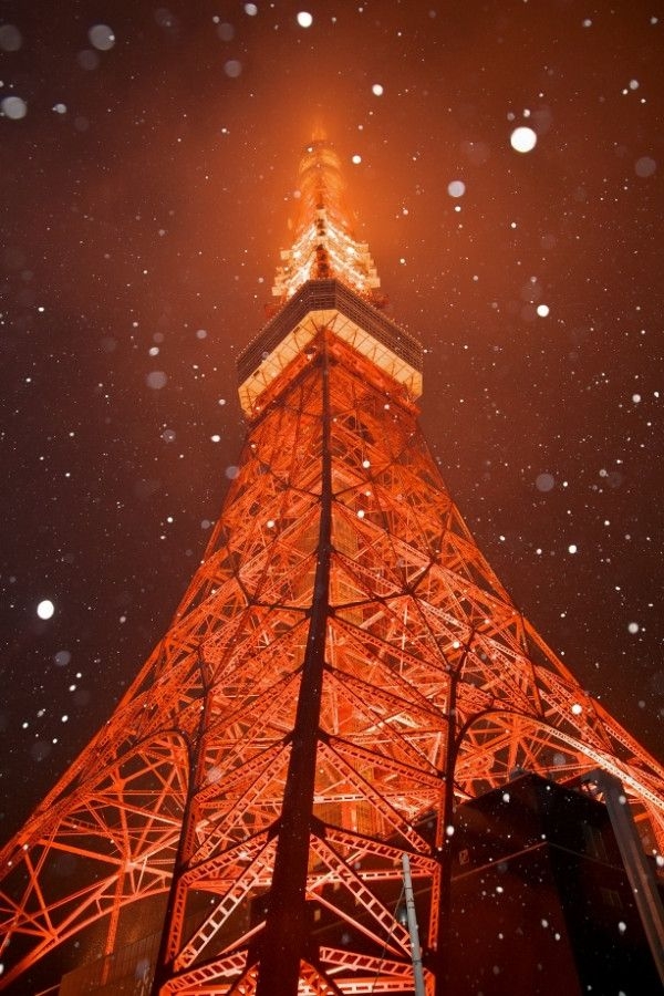 Tokyo Tower in the snow | 東京タワーなぅ( ´ ▽ ` )  雪~!(笑)