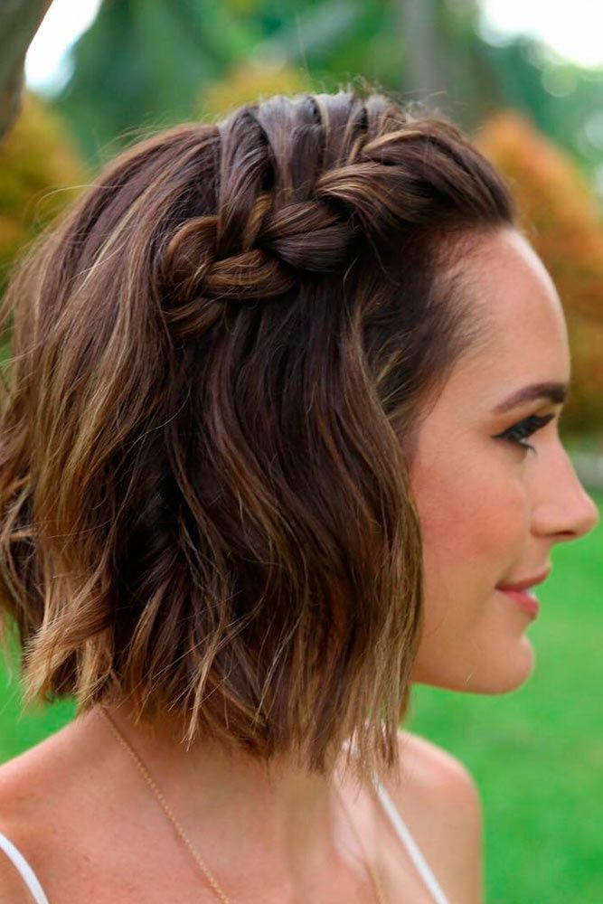 15 Gorgeous And Easy Beach Hairstyles To Rock This Summer Short Hair Updo Short Hair Styles Braids For Short Hair