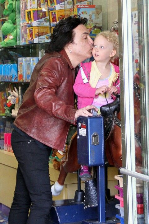Paul & the family out for lunch,  April 2012. #PaulStanley #KISS