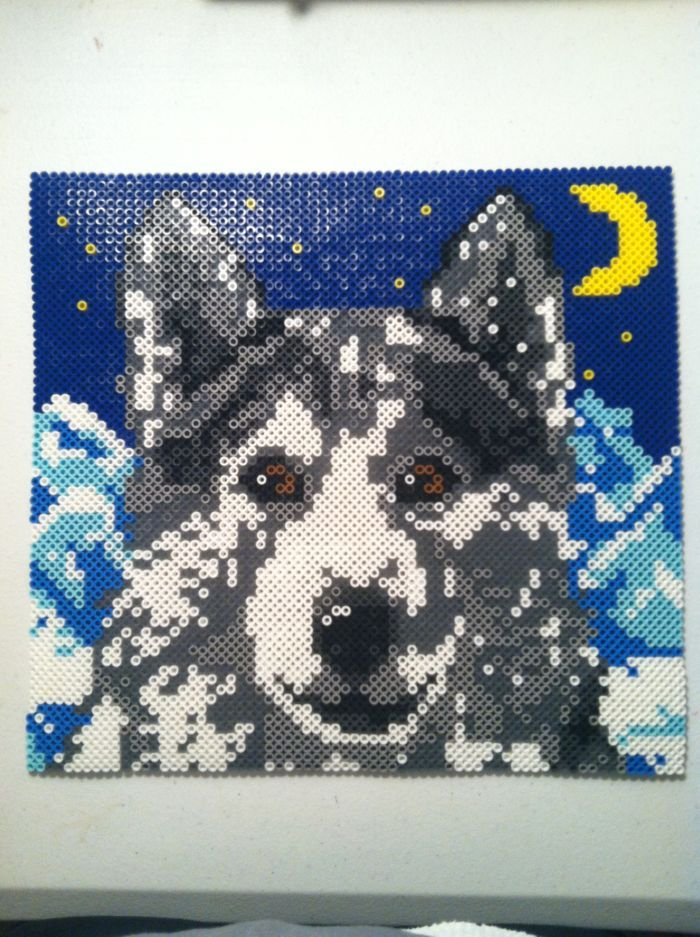 Wolf perler beads by icrama hama bead projects - Hama beads cuadros ...