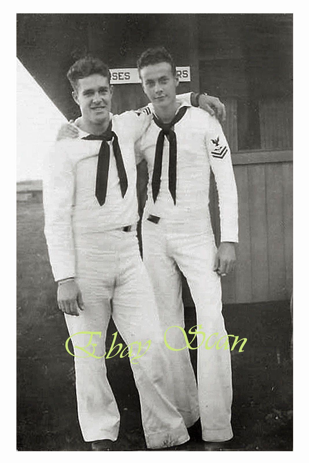 VINTAGE 1940\'s PHOTO HANDSOME SAILORS HUG AFFECTIONATELY GAY ...