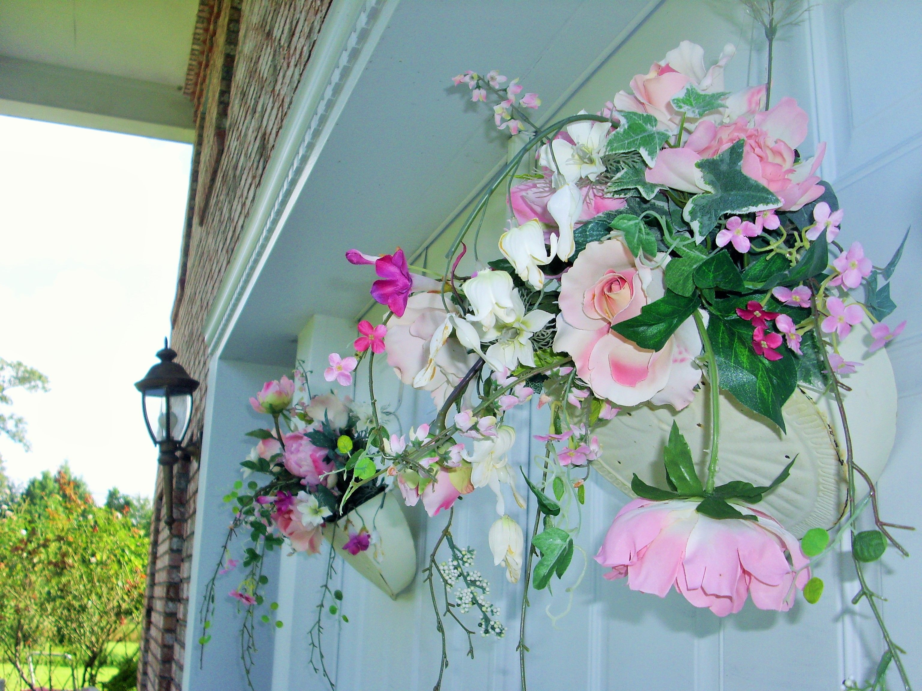 Our Roses in baskets on the entrance double doors | Hillwood ...