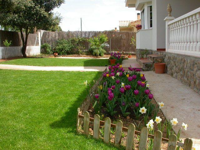 Jardin grande jardi pinterest sencillo jard n y - Como disenar un jardin grande ...