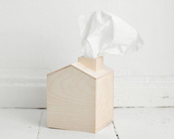 boîte de mouchoirs maison en bois avec cheminée bois par forcraft