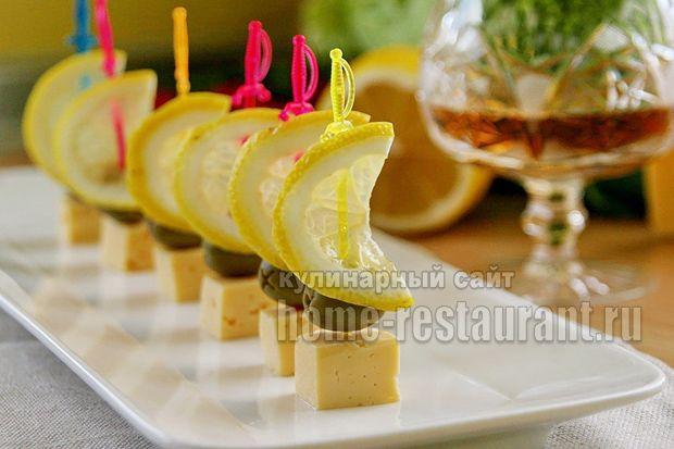 сыр с оливками