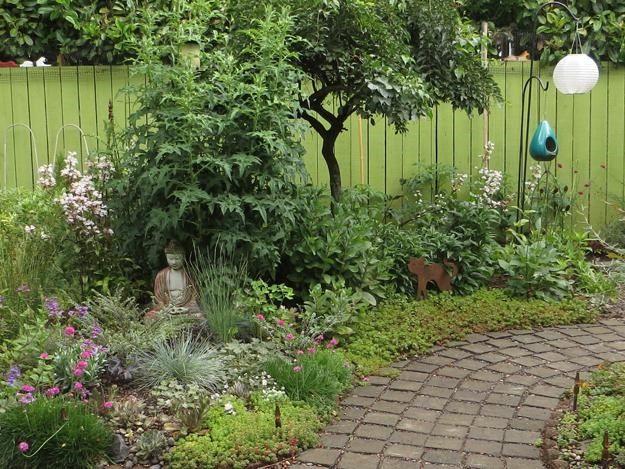 """Garden Design Portland 01_Paver_Walkway_Through_Back_Garden """"dream Team's"""" Portland ."""