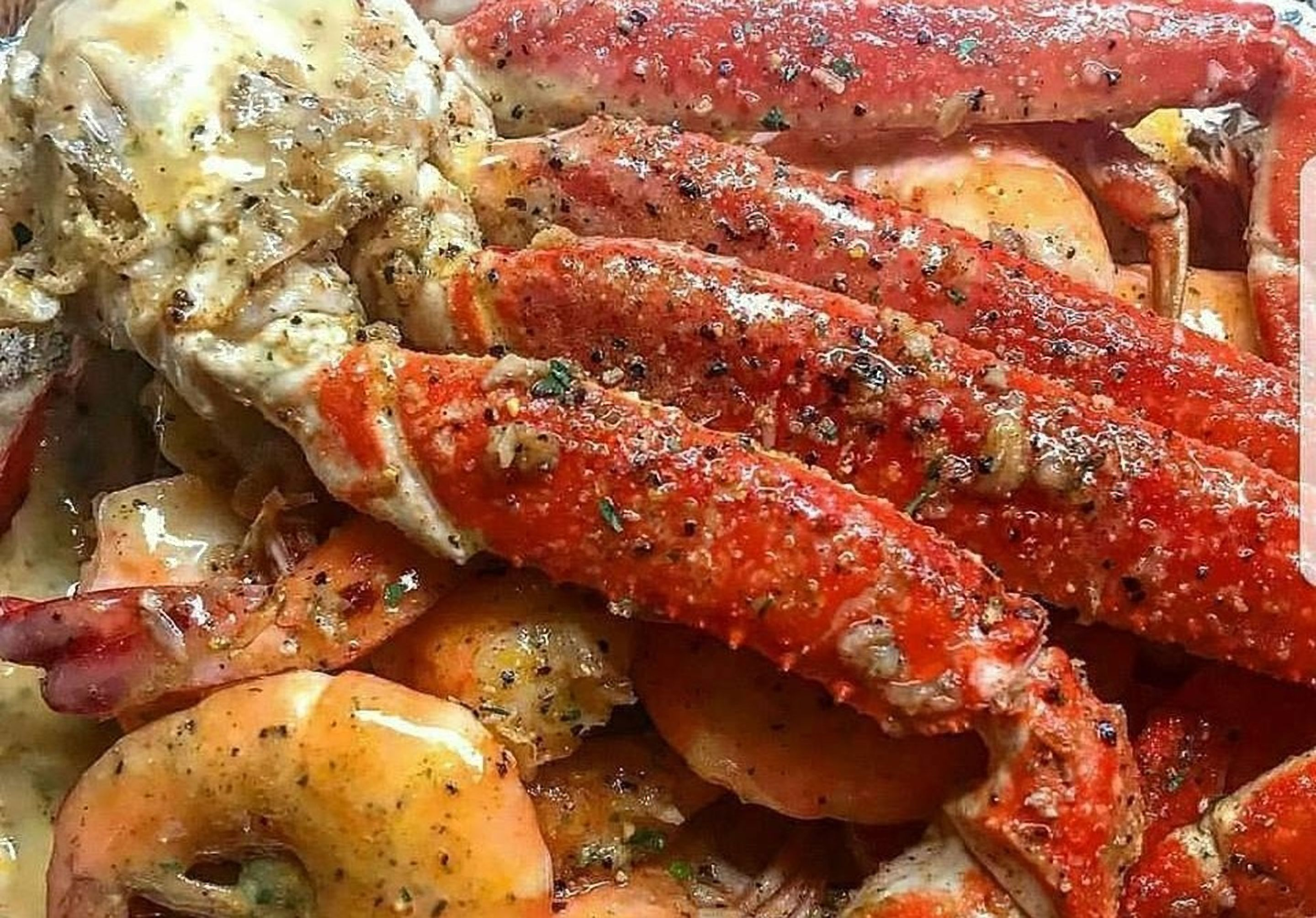 King Crab Legs And Shrimp A In Spicy Butter Wine Sauce For This Recipe Please Go To Ht Crab Legs Recipe Crab Leg Recipes Boiled Snow Crab Legs Recipe Boiled