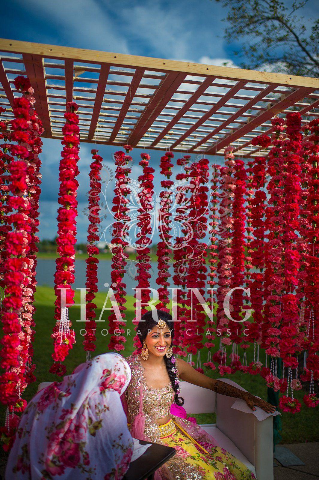 Simple Mehndi Wedding Decoration | Neha - Häring ...