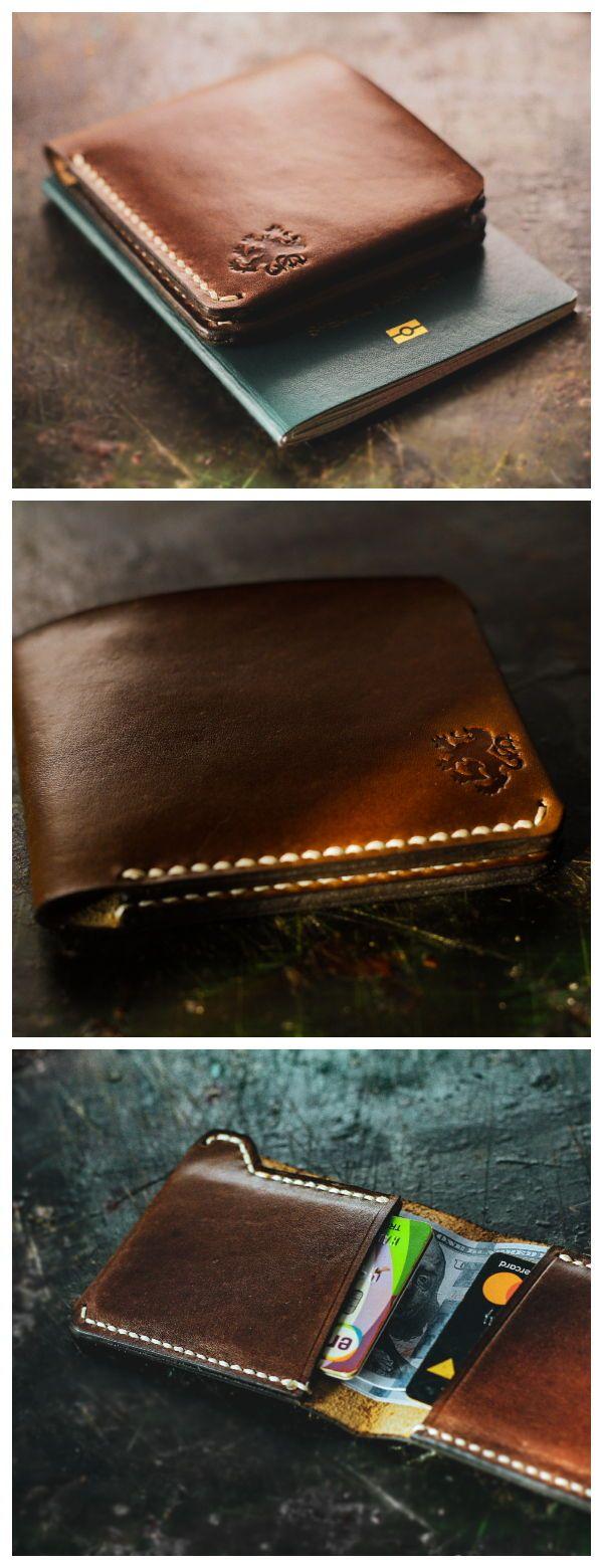 Das Leonadem-Markenlogo mit Löwenmotiv wurde direkt auf Ihr Kreditkarten-Hol …   – Men's Style