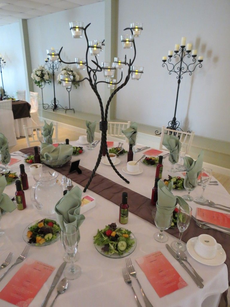 Tree centerpieces that are included in select packages